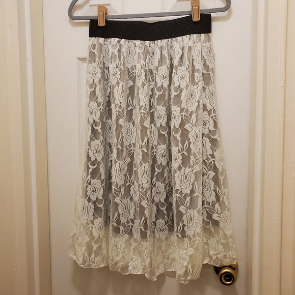 Small Lularoe Lola Skirt